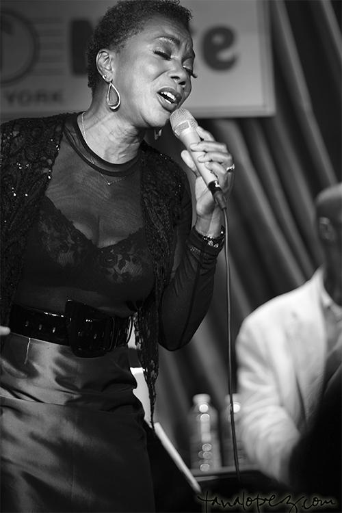 Carmen Lundy performing.